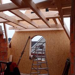 Holzgiebel für ein Holzhaus als Fertigelement
