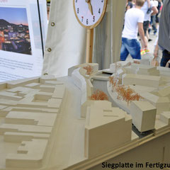 Nach der Party kommen die Bagger. Am 2. August 2012 wird mit dem Abriss der Siegplatte begonnen.