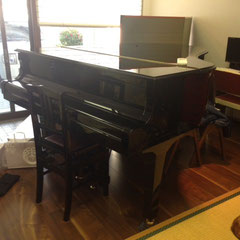 YAMAHA C3 グランドピアノ があります。音楽イベントにご利用下さい。