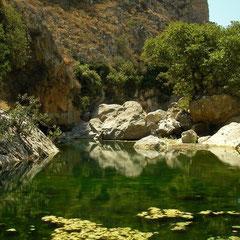 In de Petrés kloof is ook zomers nog water.