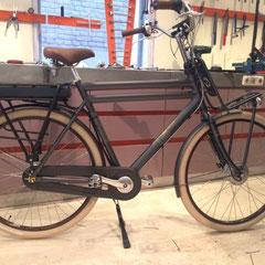 Cortina U2 fiets met ombouwset voorwiel motor van FON
