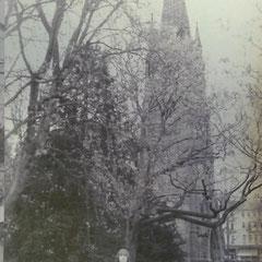 Konstantin Zobel vor der Dankeskirche, Foto: Sammlung Konstantin Zobel