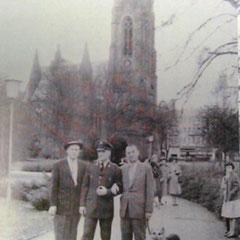 Elvis vor der Dankeskirche, Foto: Sammlung Konstantin Zobel