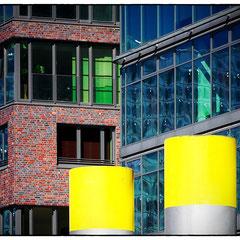 Yellow Points. Hafencity HH. Baakenhafen. Ocean's End _ © S. Baraucke