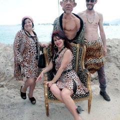 Esmeralda et Pascaline, les femmes panthère avec Laurent, et la marionnette de PPDA  - Festival de Cannes 2012  © Anik COUBLE