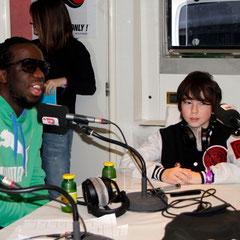 Youssoupha et Alan Badaoui-Couble à l'antenne, sur  le  bateau NRJ à Cannes © Anik COUBLE