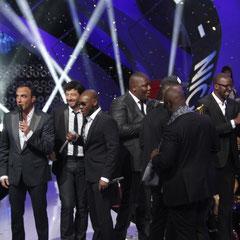 Nikos et Patrick Bruel remettent leur 2ème  NRJ Music Awards, à  Sexion d'Assaut - NRJ Music Awards 2013 - Cannes © Anik COUBLE