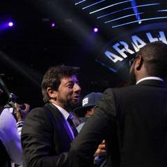 Maître Gims en discussion avec Patrick Bruel - NRJ Music Awards 2013 - Cannes © Anik COUBLE