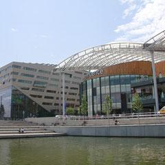 Hôtel de Région et le Pôle de Loisirs - Lyon Confluence - Photo © Anik COUBLE