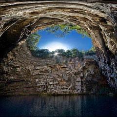 Caverna Melissani - GRÉCIA