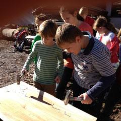 Wir nageln in Weich- und Hartholz