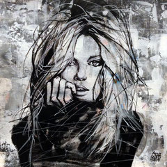 "<b>RISE OF THE REBEL</b><br>25 x 25 cm<br><a style=""color:#db6464;"" target=""_blank"">Vendu</br></a> <alt=""art artiste peintre contemporain portrait femme graffiti commander acheter tableau france streetart savoie chambery graffmatt"">"