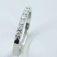 Ring aus 950 Platin mit 13 TW VVS Brillanten mit sehr gutem Schliff 1890€