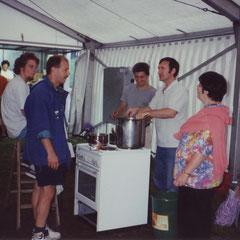Küchenteam mit Hans Thut