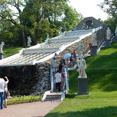 Schachbrett in Peterhof bei einer Führung durch den Park