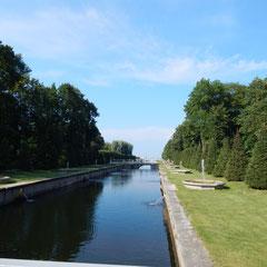 Kanal im unteren Park - bei einem Besuch in Peterhof.