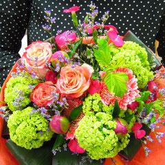 季節のお花などを使ってお作りします!! 5,250円