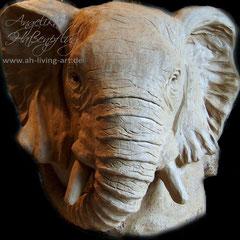 Elefantenkopf aus Ton