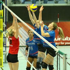 Ann-Marie Knauf (Köpenicker SC), Elisabeth Field, Saskia Radzuweit (beide VT Aurubis)