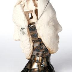 Der Hohlkopf  mit der Maske                 Metall Keramik  2010