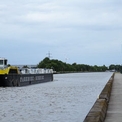 Ziel Hamburg auf dem Mittellandkanal.