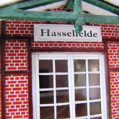 c) W. Fehse - Sprossenfenster mit Original-Schild