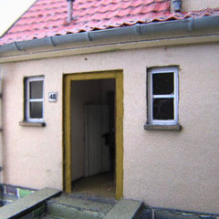(c) W. Fehse - kleine Fenster und Haustür