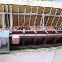 (c) W. Fehse - gewaltige Stütz- und Dachkonstruktion