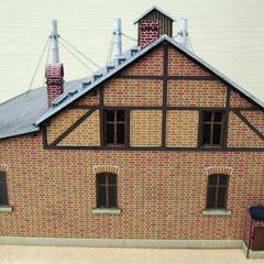 (c) W. Fehse - Gebäuderückseite mit Hundehütte und Wärterhäuschen