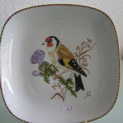 Teller mit Vogelmotiv