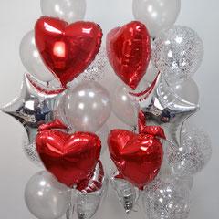 Композиция шаров с конфетти и красными сердца