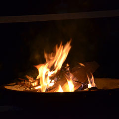 ....mit Lagerfeuer-Romantik
