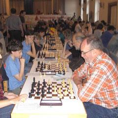 Das ist Schach pur: Alle Altersgruppen bunt durcheinander