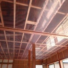 天井防湿シート施工