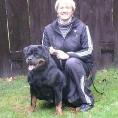 бабушка щенятANAPURNA vom Hause Haase
