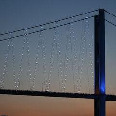 die Bosporusbrücke bei Sonnenuntergang
