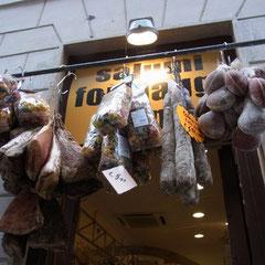 """eine Metzgerei auf dem Weg zum Markt """"Campo de Fiore"""""""