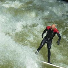 Surfer am Eisbach