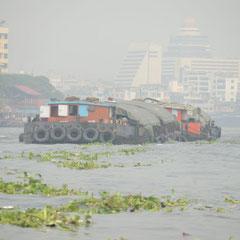 Schubverband auf dem Chao-Praya River