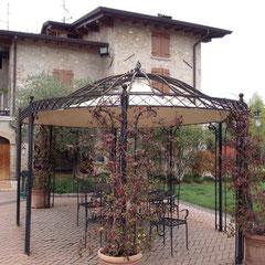 """die Einfahrt zur  """"Agrigelateria Sull'aia in""""Rivoltella di Desenzano del Garda"""""""