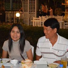 Abends in Hua Hin. Eine Einladung von Anne's Papa