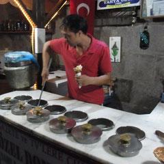 und zum Nachtisch türkisches Eis