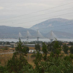 Anfahrt zur Harilaos Trikoupis Brücke
