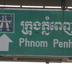 auf dem Weg zum Markt nach Damdek ging es Richtung Pnom Penh