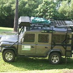 Pete Baxendell erwatete uns mit seinem Jeep