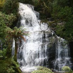 einer der Triple Waterfalls