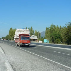 auf der türkischen Schnellstrasse