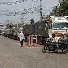 """an der Grenze """"Aranyaprathet / Poipet - Thailand - Kambodscha"""