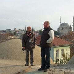 mit Herr Basaran auf dem Dach der Karawanserei