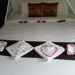 das schön gerichtete Bett